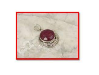 Great red ruby pendant in .925 silver