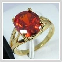 Pretty ruby 14kt yellow gold ring, size 8 (gr-7)