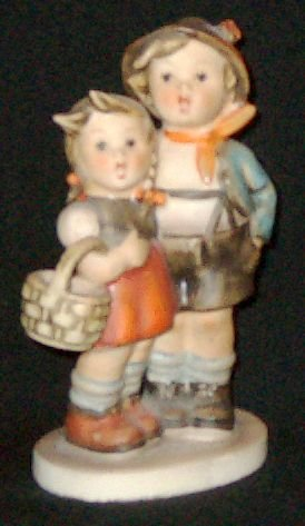 "Early 1960s HUMMEL Figurine - SURPRISE (#94 3/0 TMK3) - 4¼"" Tall"