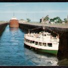 1950s SOO LOCKS (Davis Lock) - Sault Saint Marie, Michigan - Unused Postcard