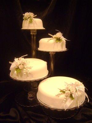 4 Tier Elegant Crystal Acrylic Cascading Wedding Cake Stand