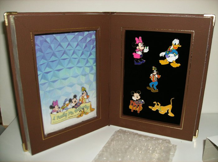 Disney Epcot 2004 Event Pin Set with the Fab Five
