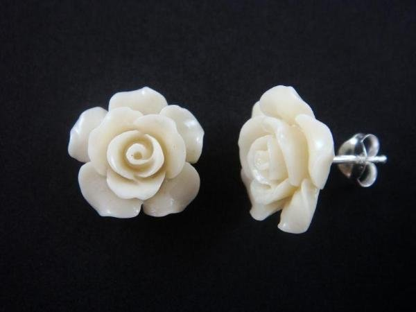 925 Sterling Silver Flower White Coral Stud Earrings Set