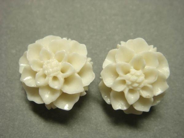 925 Sterling Silver Flower Carved Coral White Flower Stud Earrings Set