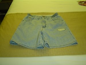 sz 10 girls Lt blue stretch shorts
