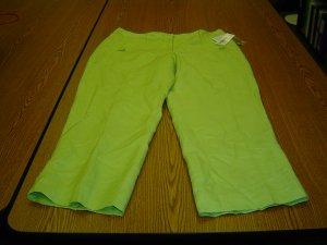 NWT sz 4 Capris pale green