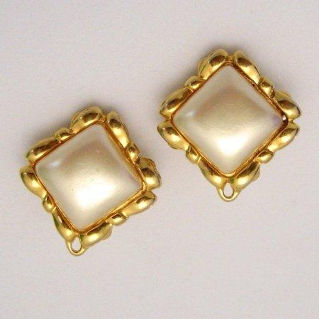LIZ CLAIBORNE Vintage Clip Earrings Square Faux Pearls Bows