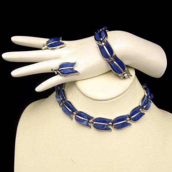 CROWN TRIFARI Vintage Necklace Bracelet Earrings Set Parure Blue Thermoset