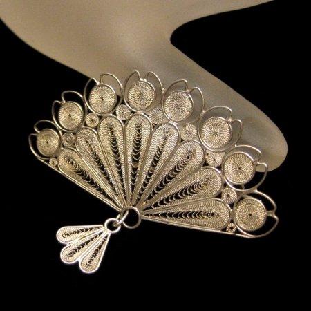 Vintage Fan Brooch Pin Filigree Cannetille Dangle Design