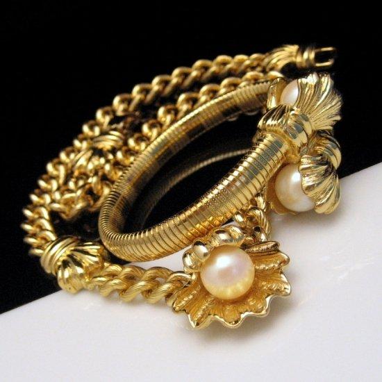IVANA Necklace Coil Bracelet Set Faux Pearls Shells BOX