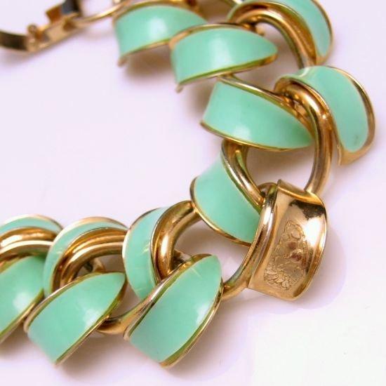 Beautiful Vintage Goldtone Aqua Green Enamel Links Bracelet