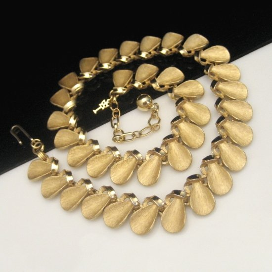 CROWN TRIFARI Mid Century Egyptian Cleopatra Necklace Vintage Dangles