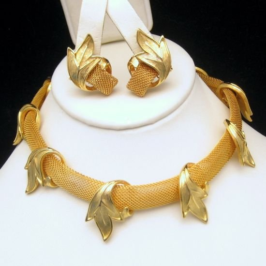 JUDY LEE Vintage Necklace Earrings Goldtone Mesh Leaves