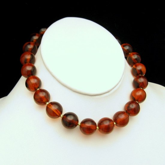 TRIFARI Chunky Cherry Amber Bakelite Beads Vintage Choker Necklace Statement