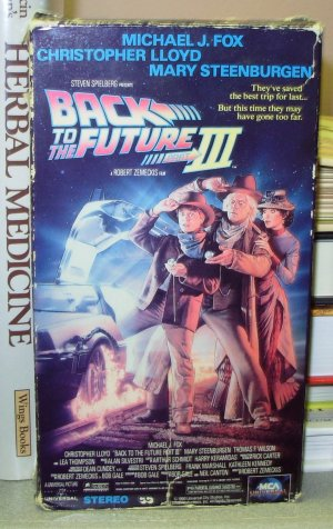 BACK TO THE FUTURE 3 WITH MICHAEL J FOX AND CHRISTOPHER LLOYD VIDEO VHS GENTLY USED MOVIE (B27)