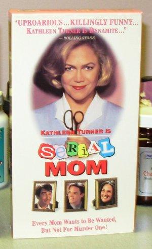 SERIAL MOM VHS MOVIE STARRING KATHLEEN TURNER SAM WATERSTON BLACK COMEDY (B43)