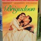 BRIGADOON VHS STARRING GENE KELLY VAN JOHNSON CYD CHARISSE MUSICAL (B47)