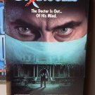 DR GIGGLES VHS VIDEO STARRING LARRY DRAKE HOLLY MARIE COMBS HORROR(B52)