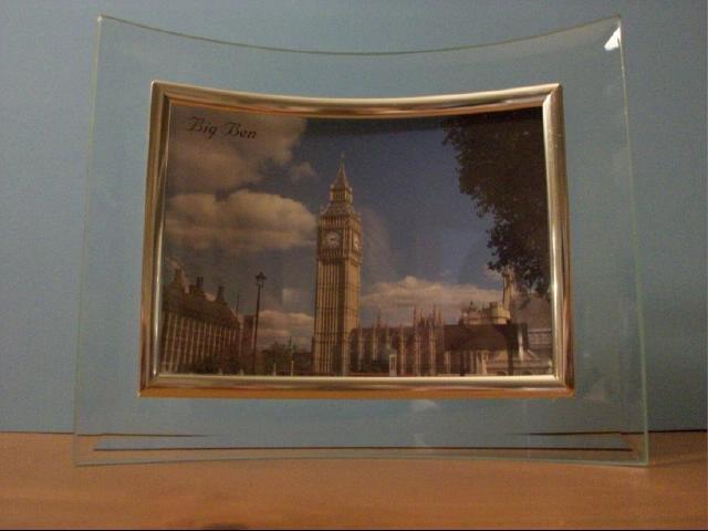 Four Piece Set of Concave Glass Photo Frames - Set 2