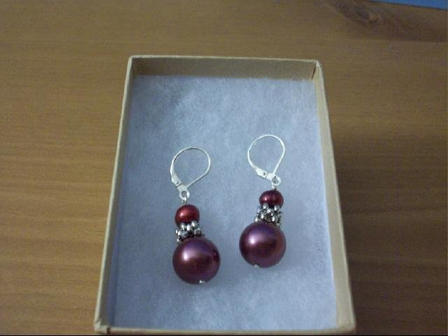 Beautiful Pearl Sea Shell Pierced Earring in Burgundy