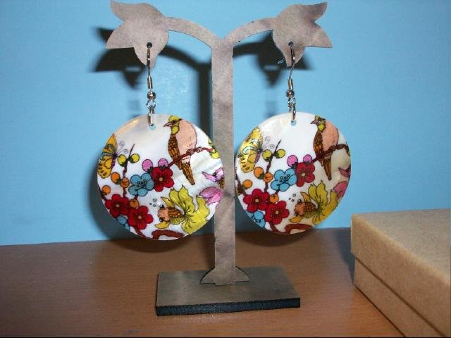 Natural Shell Dangle Earring - Multi Floral with Bird Design