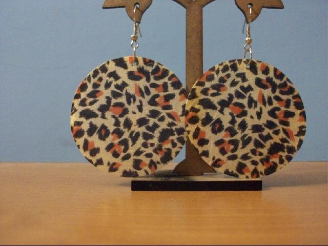 Natural Shell Dangle Earring - Natural Leopard Print