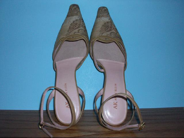 "Anne Klein ""Mabringtome"" Model Slingbacks - Size 8M"