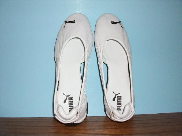 Puma Flats in Black and White - Size 11