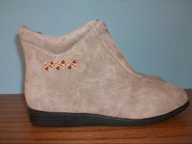 Suede Beacon Ankle Boots - Size 7W