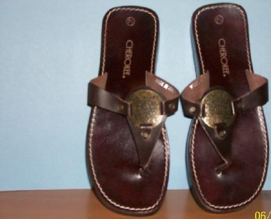 Women's Cherokee Thong Sandals - Size 7 1/2