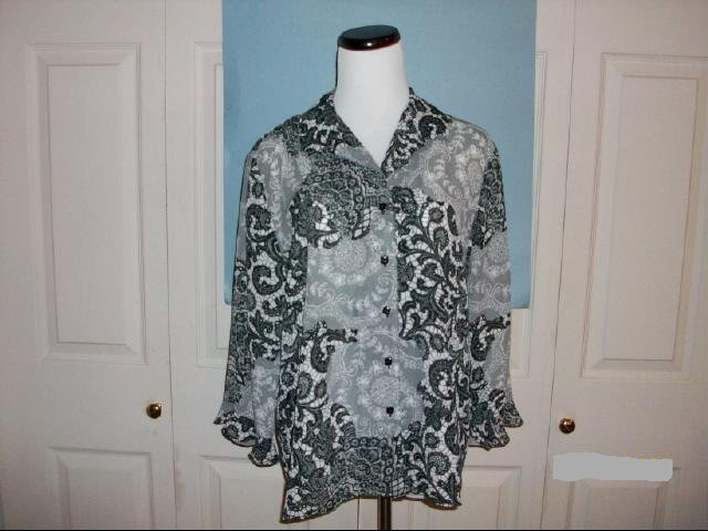 Sag Harbor Black & White Print Top - Size 14P