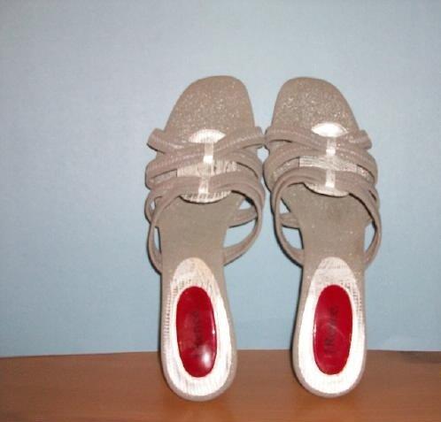 """J. Renee 1 1/2"""" Heel Mules - Size 11M"""