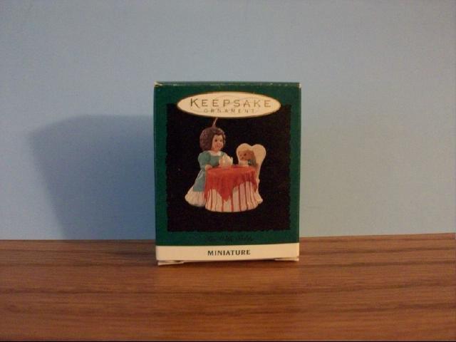Hallmark Mini Keepsake Ornament - Tea With Teddy