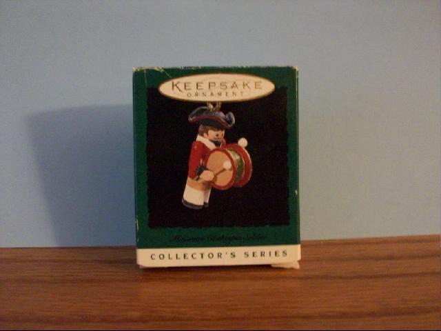 Hallmark Mini Keepsake Ornament - Mini Clothespin Soldier