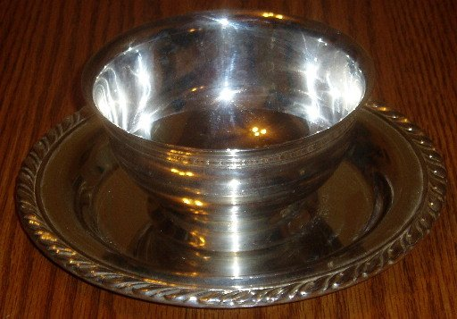 Oneida Silverplate Sauce Bowl w/Underplate Gadroon Rim