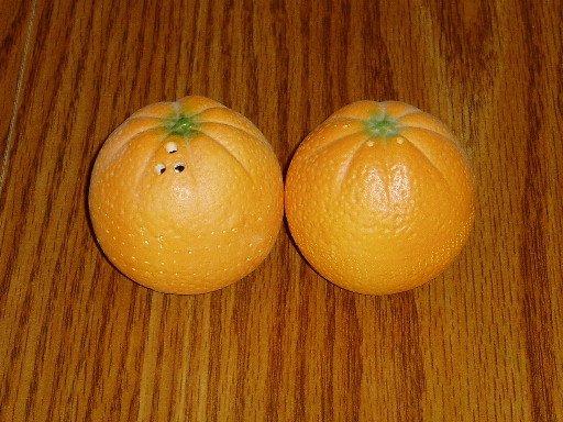 Ceramic Figural Oranges Salt and Pepper Shakers Fruit