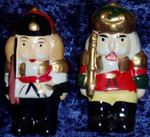 Ceramic Nutcracker Soldier Salt Pepper Shaker Set Holiday