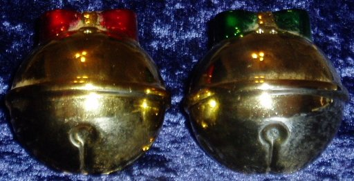 Christmas Gold Red Green Ornament Salt Pepper Shakers