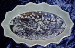 Mikasa Oval Crystal Platter Santa Christmas Holiday Decor
