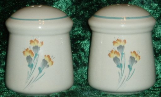 Treasure Craft Yellow Orange Floral Salt Pepper Shakers
