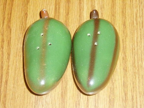 Ceramic Figural Green Chili Pepper Salt/Pepper Shaker Set