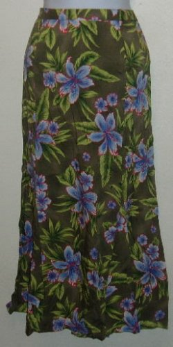 NWT Sag Harbor Size 10 Olive Green/Purple Floral Skirt