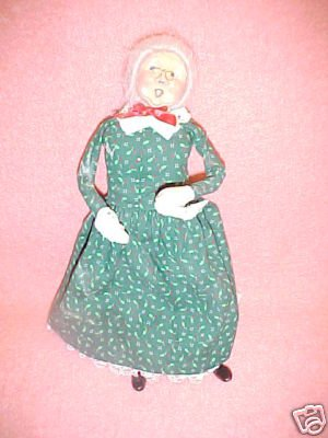 Byers Choice Carolers Doll Mrs. Claus?  FREE SHIPPING!!!