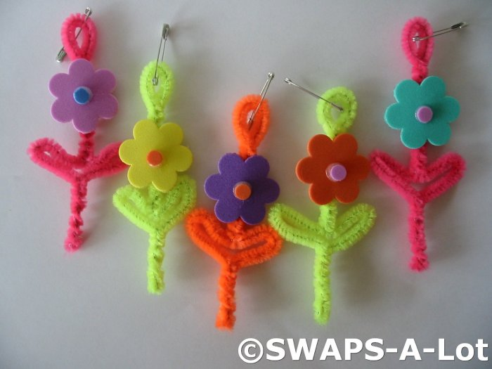 Mini Bright Flowers SWAPS Kit for Girl Kids Scout makes 25