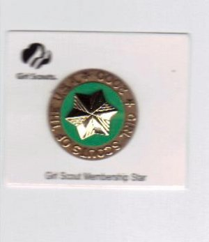 Girl Scout Membership Star Pin + 2000 Millennium Disc