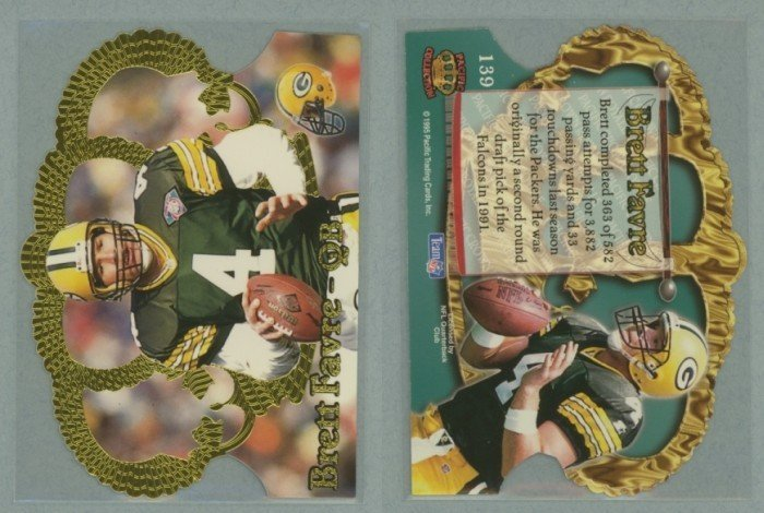 1995 Crown Royale # 139 BRETT FAVRE -- MINT