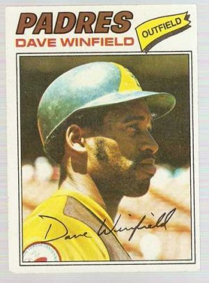 1977 Topps Baseball Card #390 Dave Winfield VG