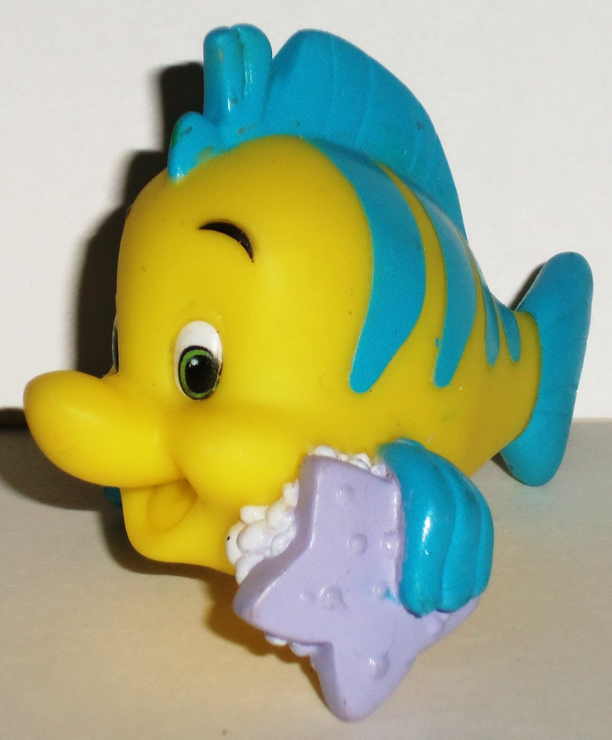 Disney 39 s little mermaid flounder with star fish bath toy for Little fish toys