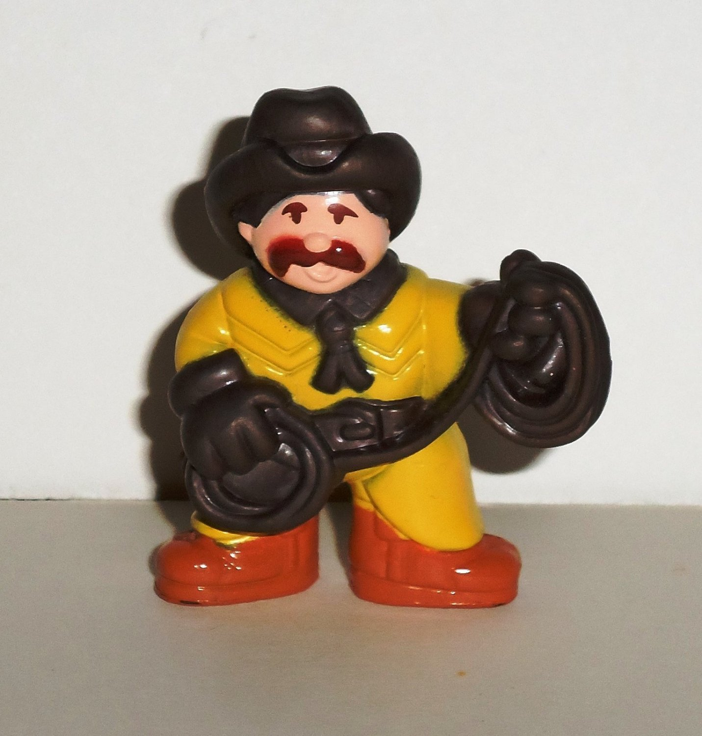 Lincoln Logs Cowboy in Yellow Outfit with Rope PVC Figure Loose Used
