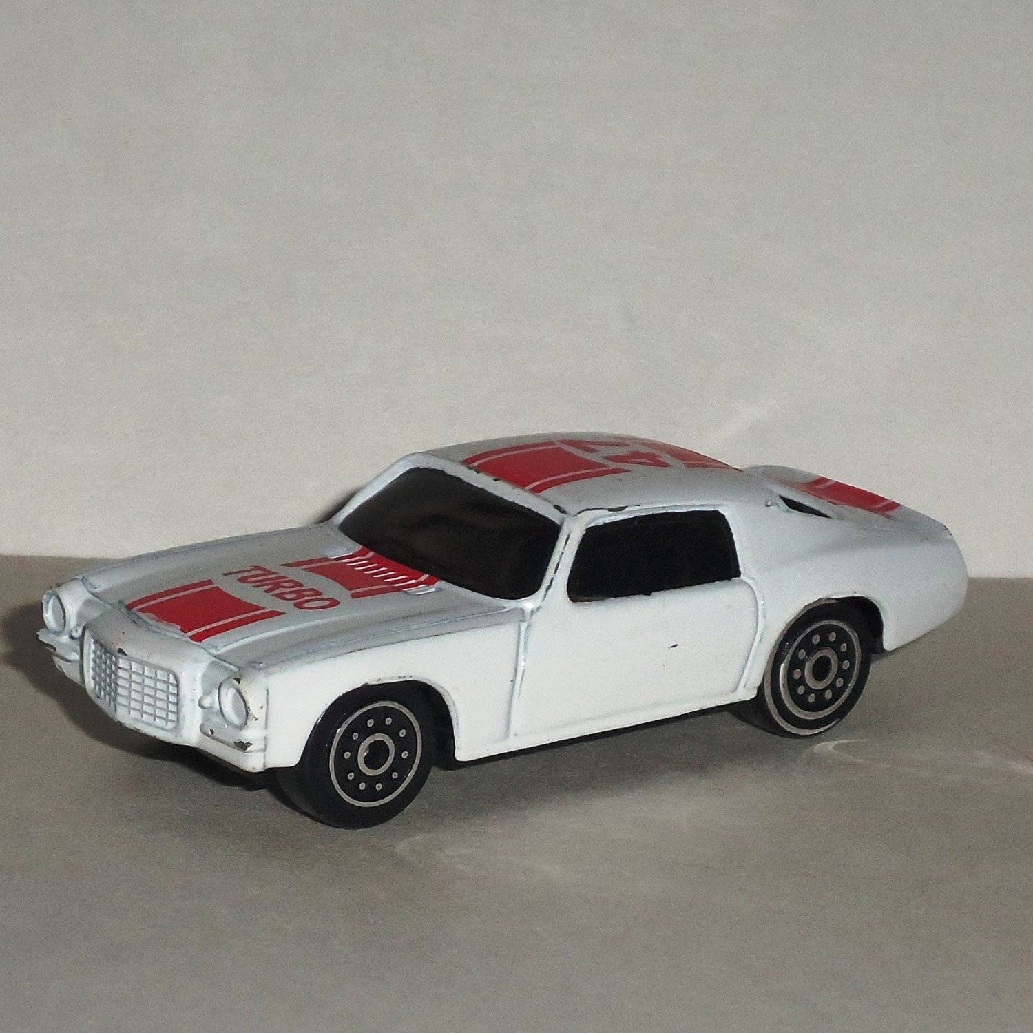 White & Red Turbo 47 Racing Diecast & Plastic Toy Car Loose Used